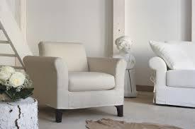 Poltroncina Per Camere Da Letto : Poltrone per camera da letto arredare con mobili antichi e