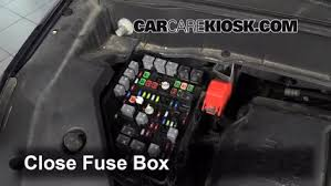 replace a fuse 2013 2016 chevrolet traverse 2013 chevrolet 6 replace cover secure the cover and test component