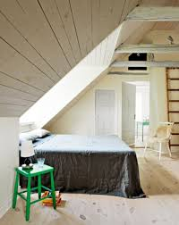 Bedroom: Small Bedroom Design With Attic Ideas - Bedroom Design