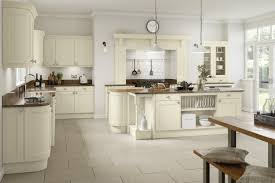 Ivory Kitchen Windsor Ivory Kitchen Doors Doors And Handles Uk