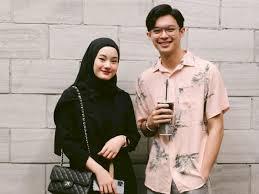 Menikah memang keputusan besar bagi setiap pribadi. Kisah Cinta Natta Reza Dan Wardah Yang Menikah Tanpa Pacaran Jadi Inspirasi Banyak Orang Indozone Id