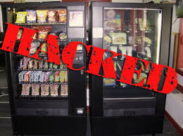 Vending Machine Scam Impressive How To Scam Free Snacks From A Vending Machine ??