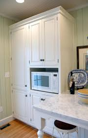 full overlay doors give a similar appearance to that of inset doors without the higher cost they completely cover the cabinet face providing the flat