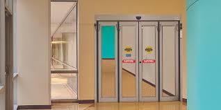 Commercial Folding Doors | ASSA ABLOY Entrance Systems US
