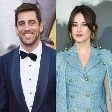 Latest on qb aaron rodgers including news, stats, videos, highlights and more on nfl.com. Is Shailene Woodley Engaged To Aaron Rodgers Engagement Rumors