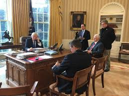 desk in oval office. Brian Stelter On Twitter: \ Desk In Oval Office F