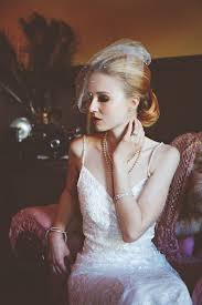 roaring 20s and 1950s bridal mash up makeup