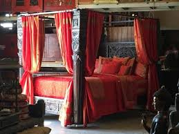 Handcarved Indian Lotus Full Pillar Canopy Bed