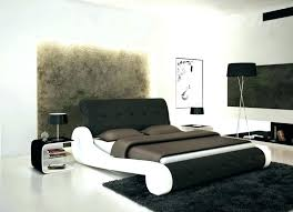 Round beds first appeared on the residential market in 1968 with luigi massoni's rotating lullaby bed for poltrona frau (the updated. Yxtkucmmjoxhzm