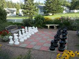 garden chess set. Kindred Spirits Country Inn \u0026 Cottages: Giant Garden Chess Set D