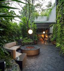 outdoor lighting ideas for backyard. 8 Outdoor Lighting Ideas To Inspire Your Spring Backyard Makeover / Create An Ethereal Look By For L