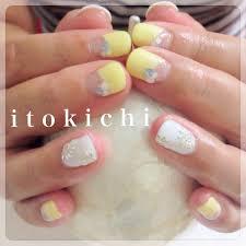 逆フレンチネイル夏ネイル福岡市中央区のネイル爪のお手入れサロン
