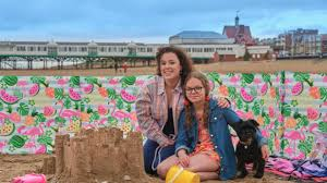 Dani harmer is an actress famous for her lead role as tracey beaker in its various incarnations and dani's house for bbc. Fcm5sov0gdgnpm