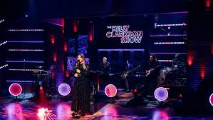 No one could save me but you. Kelly Clarkson Covers Chris Isaak S Wicked Game Billboard