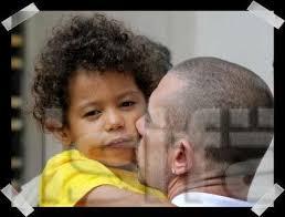 Gianni, fils du rappeur <b>Bruno Lopes</b> aka Kool Shen.  1 | 3 | 0 - 1929131535_1
