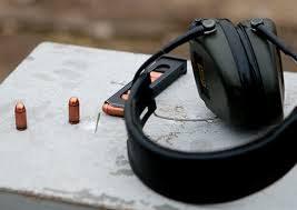 Офицеры управления ЗВО выполнили контрольные упражнения по  Офицеры управления ЗВО выполнили контрольные упражнения по стрельбе из пистолета Макарова по подвижным и неподвижным целям