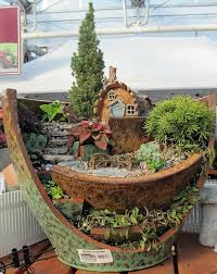 Container Fairy Gardens Best 25 Fairy Garden Pots Ideas On Pinterest Broken  Pot Garden