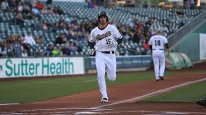 shaw leads pacific coast league by hitting a home run every 14 77 at bats