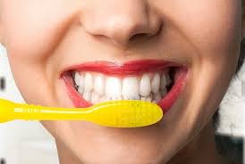 how to remove plaque from teeth naturally