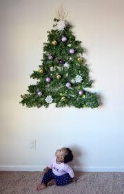 diy wall mounted tree made of garland