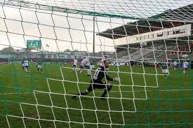 Kfc uerdingen má letos již pátého trenéra. 3 Liga Vfb Lubeck Spielt Nicht In Saarbucken Und Spricht Mit Akono Kfc Uerdingen Zieht Reissleine Hl Sports