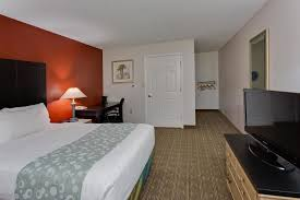 la quinta inn tampa near busch gardens book now email us call us