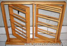 Wooden Necklace Display Stands Display Cases 44