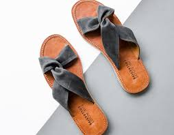 <b>7 Pairs</b> of <b>Summer</b> Sandals to Buy Right Now