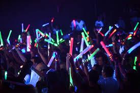Lighting for parties ideas Disco Brilliant Glow Lights For Parties Glow Sticks Party Ideas Hq Brilliant Glow Lights For Parties Glow Sticks Party Ideas Hq