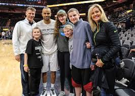 """Porter Moser on Twitter: """"TY to Tony Parker SR (Former Rambler) 4 hooking  us up 2 meet TP b4 the game. Unbelievably cool 2 my kids! #meansalot  https://t.co/IHUDIuTSuQ"""""""