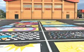lake s high school allowed seniors to pay for the opportunity to paint their own parking