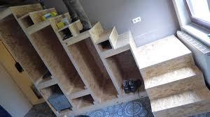 Wer selbst eine treppe bauen möchte und mit dieser treppe wohnraum erschließt, muss sich daran halten. Projekt Osb Treppe Selber Bauen Das Kleine Haus Am Wendlandrand