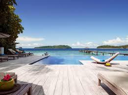 The infinity pool at Ariara Island
