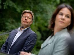 This is the first green candidate for chancellor. Annalena Baerbock Macht Sie Habeck Zum Klimaschutzminister Politik