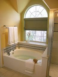 Do You Need a Tub in Your Master Bathroom?