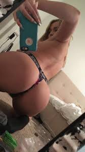 American Blogger Twitch Star Zoie Burgher Nude Photos Leaked
