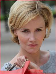 Short Hairstyles For Thick Hair And Round Face 395757 Short Hair