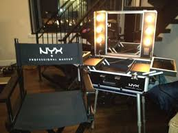 nyx x large makeup artist train case with lights love kit and cosmetology