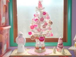 2908662-15294557-thumbnail.jpg. White Christmas Tree With Pink Ornaments