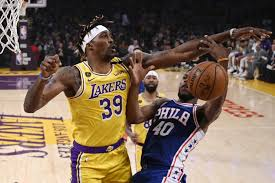 He missed 43 games this season with a back injury. Anthony Davis Scores 37 Leads Lakers Past Sixers 120 107 Taiwan News 2020 03 04