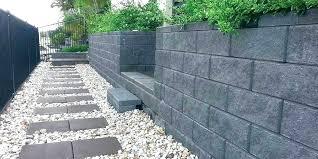 concrete retaining wall forms precast concrete retaining wall blocks block molds concrete retaining wall form design