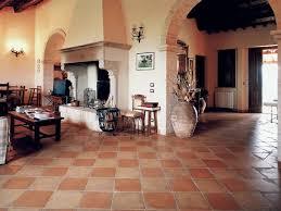 Colori Per Dipingere Le Pareti Del Bagno : Colori per le pareti con pavimento in cotto quali scegliere e