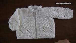La prenda puede llevar acabados y detalles como botones de figuritas, moños o listones. Pin En Teje Bebe