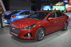 2018 hyundai sonata. contemporary sonata hyundai is yet to give us a full list of the engine choices we do know  top turbo trim will carry 20liter with 245horsepower and 18inch wheels throughout 2018 hyundai sonata