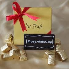 happy anniversary bar with clic truffles