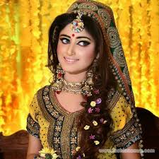 bridal makeup tips for mehndi occasion