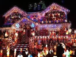 254 best Christmas houses images on Pinterest   Beautiful landscapes,  Christmas greetings and Facades