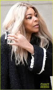 wendy williams steps out without wedding ring amid drama with husband