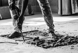 Wer seine fußbodenfliesen entfernen möchte, kann man unterschiedliche werkzeuge verwenden. Ausgleichsmasse Entfernen So Losen Sie Sie Am Besten