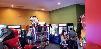 round table pizza arcade with tons of